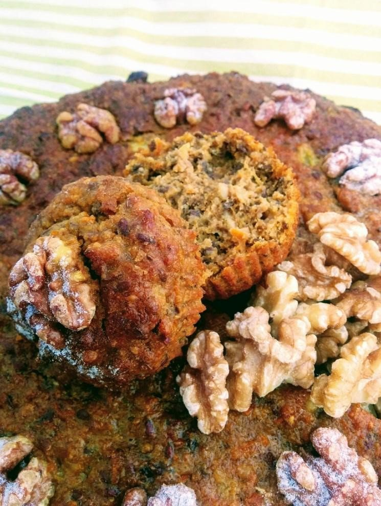 Carrot, Walnut and Linseed Cake or Cup-Cakes_0802fde4
