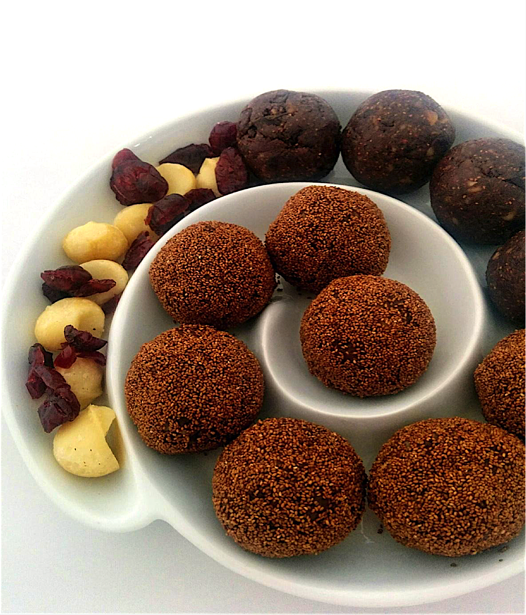 Double Chocolate and Teff Bliss Balls_54cb69ed